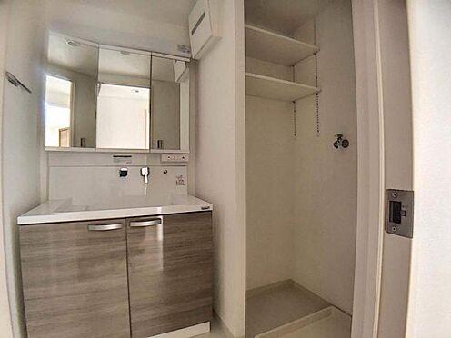 中古マンション-名古屋市天白区笹原町 収納棚付きの洗面室