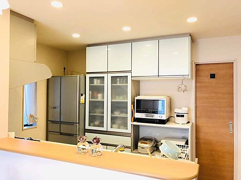 中古一戸建て-名古屋市南区豊1丁目 カウンターキッチンでリビングに入ってきたご家族を暖かくお出迎え♪