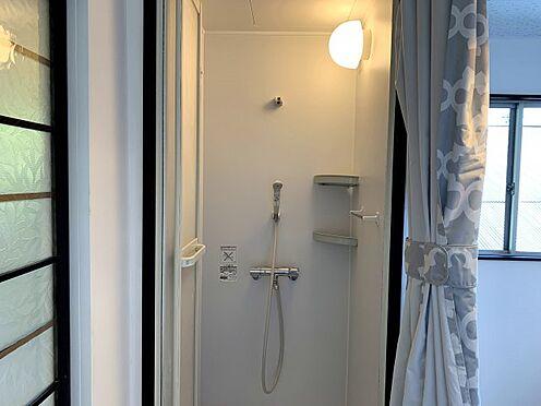 戸建賃貸-横須賀市坂本町2丁目 シャワールーム新規設置 ※リフォーム完了時の画像です