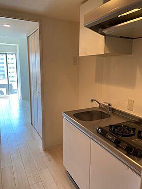 中古マンション-大阪市中央区農人橋2丁目 室内キッチン。お料理好きのあなたなら、きっと喜ばれるはず。