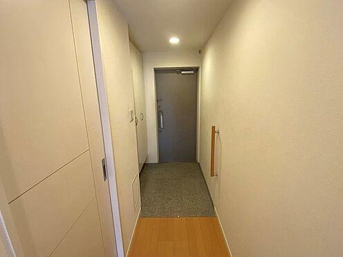 中古マンション-八王子市松木 収納豊富な下足入れ付の玄関