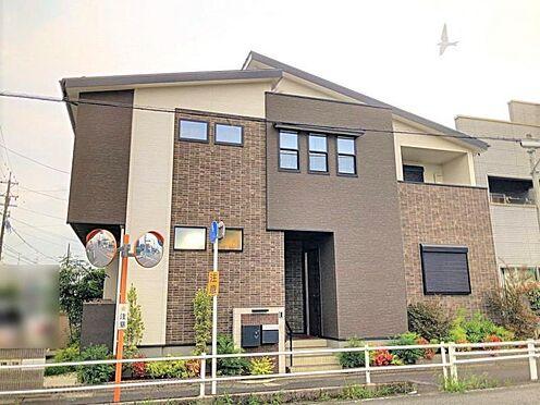戸建賃貸-江南市高屋町十六田 デザイン性のある、ハイセンスな外観。