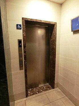 マンション(建物一部)-大阪市淀川区新北野3丁目 清潔感のある綺麗なエレベーター。