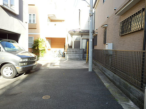 ビル(建物全部)-渋谷区神宮前5丁目 前面道路