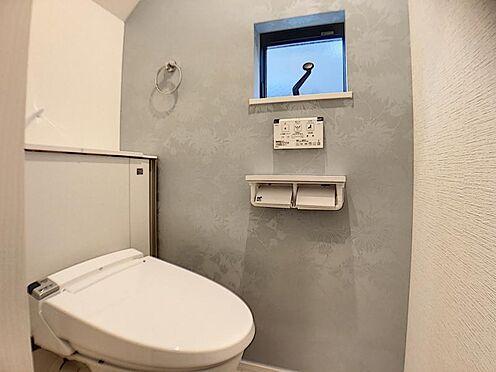戸建賃貸-豊田市朝日町7丁目 収納一体型トイレ。掃除道具などを収納しスッキリとさせることが出来ます。(1階のみ)(同仕様)