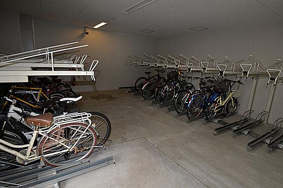 マンション(建物一部)-神戸市中央区日暮通3丁目 駐輪場もあるから、移動が楽々。