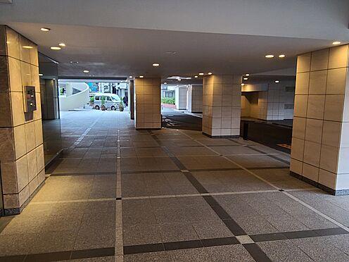 区分マンション-港区三田5丁目 エントランスアプローチ