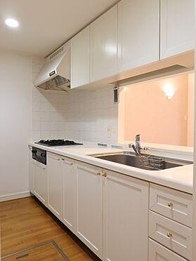 中古マンション-横浜市瀬谷区五貫目町 ご家族との会話が弾む、カウンター付対面式キッチン