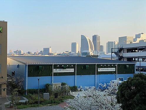 中古マンション-横浜市神奈川区橋本町2丁目 バルコニーからはインターコンチネンタルホテルが