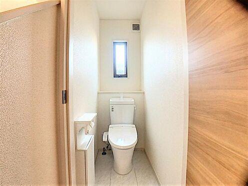 中古一戸建て-日進市米野木台2丁目 清潔感溢れるトイレ♪各階にあり混雑する朝も大助かり♪