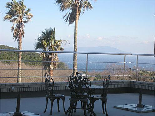 中古マンション-伊東市富戸 【テラス】テラスからの眺望。伊豆大島を正面に望みます。