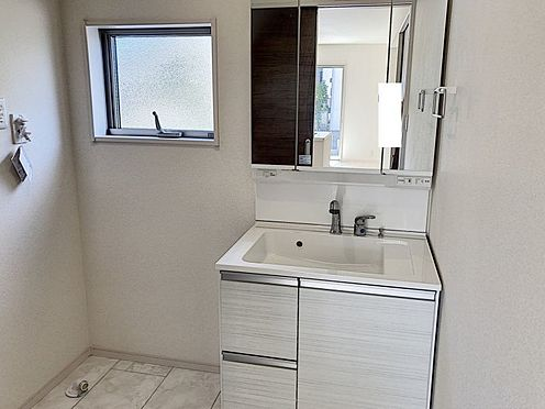 新築一戸建て-知多郡東浦町大字緒川字屋敷壱区 洗面室です