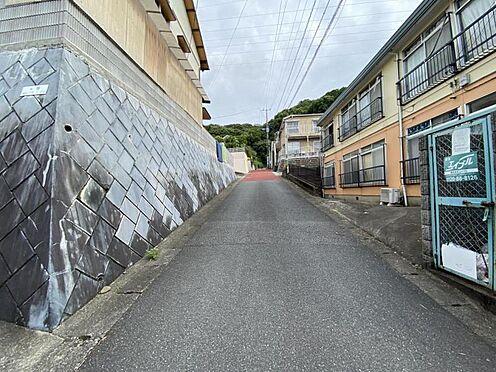 土地-福岡市城南区梅林1丁目 現地道路写真3です。