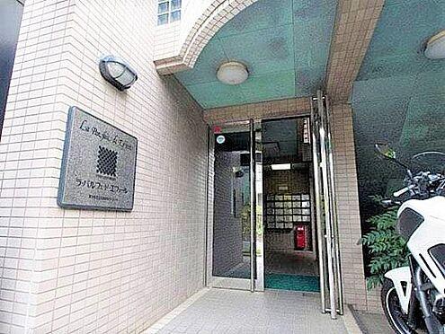 マンション(建物一部)-足立区西新井5丁目 入口です。