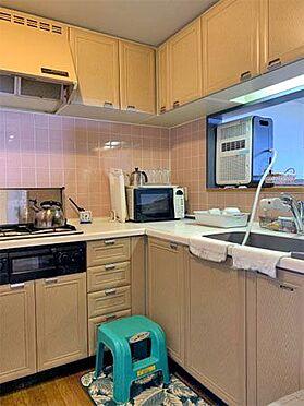 中古マンション-伊東市川奈 〔キッチン〕L字型となっており、使いやすいかと思います。