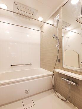 区分マンション-新宿区西新宿8丁目 浴室換気乾燥機付きユニットバス 家具、備品は販売価格に含まれません。