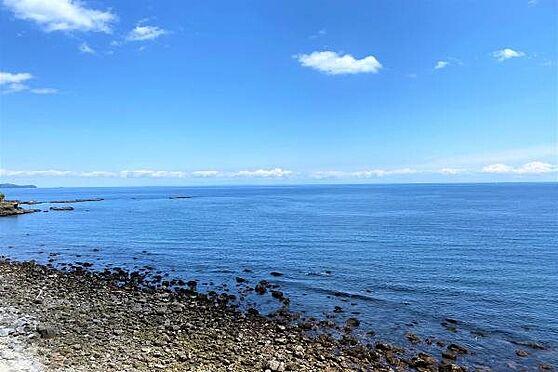リゾートマンション-熱海市上多賀 眺望1:右方向には相模湾・赤根崎を一望。南東向きのため日当たり良好。