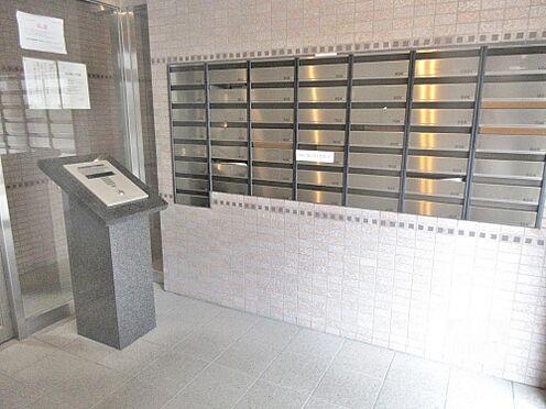 マンション(建物一部)-大阪市西区本田4丁目 キレイに清掃されたエントランス。
