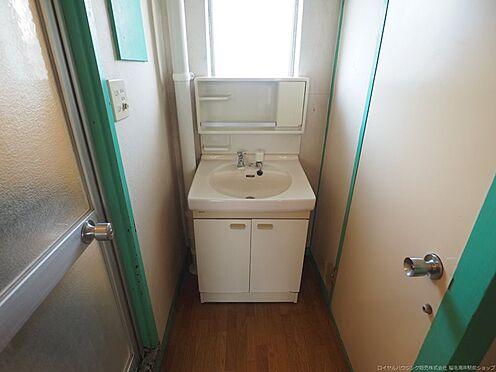中古マンション-千葉市美浜区幸町2丁目 洗面所裏にも窓があります。