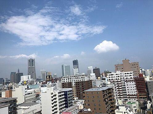 中古マンション-横浜市中区弥生町2丁目 サービスバルコニーからの眺望 花火大会鑑賞できます