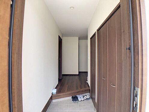 戸建賃貸-額田郡幸田町大字坂崎字石ノ塔 収納がたくさん出来るので、玄関がすっきりとかたづきますね!