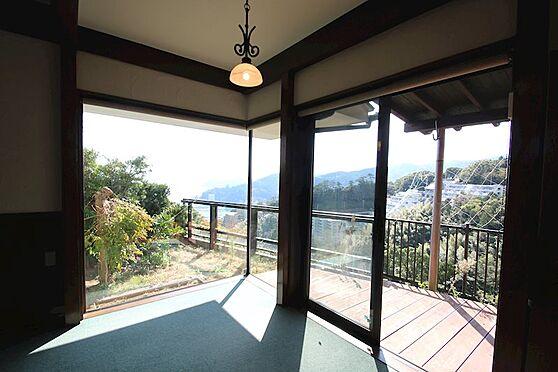 中古一戸建て-熱海市伊豆山 11月の時間は正午ごろ。御覧のような日の入りです。