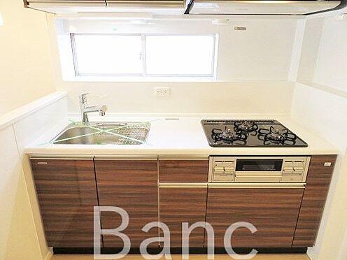 中古マンション-品川区西五反田2丁目 窓がある明るいキッチン
