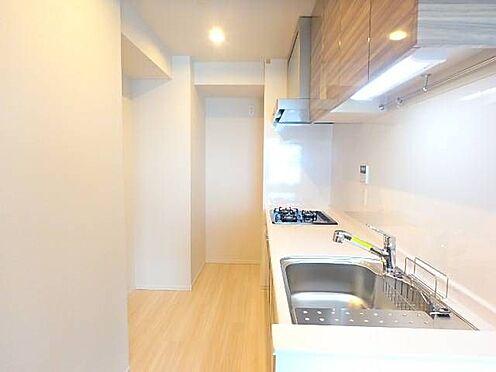 区分マンション-宇都宮市馬場通り3丁目 ■ キッチン ■リビングダイニングとは空間が分離されていますが、動線はスムーズで食事の準備が楽々!※写真は空室時のものです