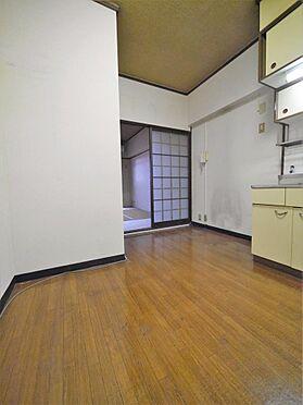 一棟マンション-北九州市小倉北区下到津4丁目 1DKタイプのお部屋は居室と食事を分けられるのでメリハリのある生活ができます。