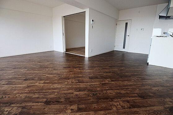 中古マンション-神戸市灘区鶴甲4丁目 居間
