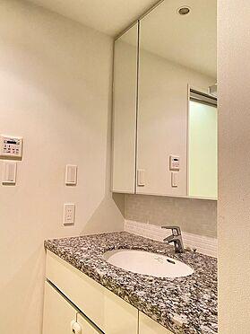 中古マンション-中央区晴海2丁目 三面鏡付洗面化粧台