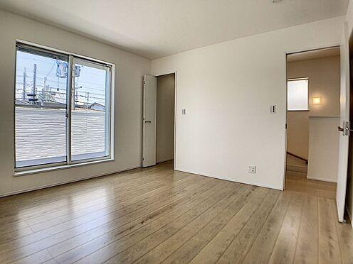 戸建賃貸-一宮市殿町3丁目 光が十分入るように計算された窓