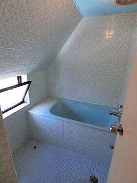 中古マンション-港区南青山2丁目 窓付きの浴室