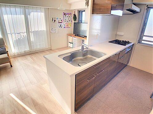 中古マンション-名古屋市名東区社台3丁目 対面式キッチンでご家族とお話しながら家事ができます!