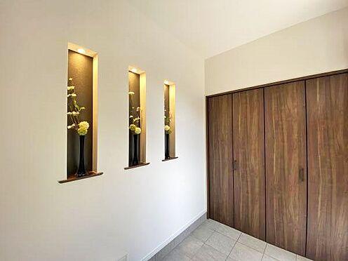 中古一戸建て-伊東市赤沢 ≪玄関≫ 別荘感もあり、室内への期待が高まります。