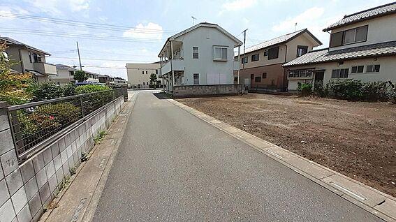 土地-東松山市大字高坂 北側公道から東側を見て