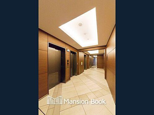 中古マンション-中央区晴海5丁目 マンション内1階エレベーターホールのお写真です。