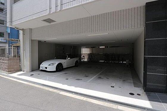 マンション(建物一部)-大阪市中央区法円坂1丁目 1階部分には駐車場もあります