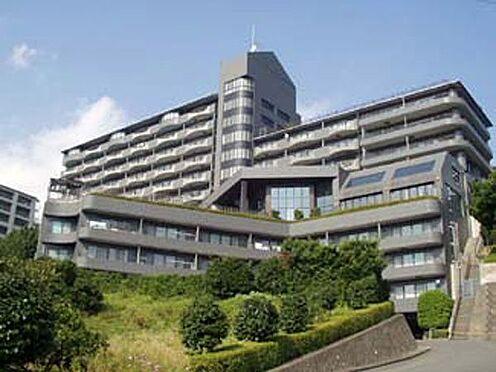 中古マンション-賀茂郡東伊豆町奈良本 近代的なフォルムのマンション外観です。