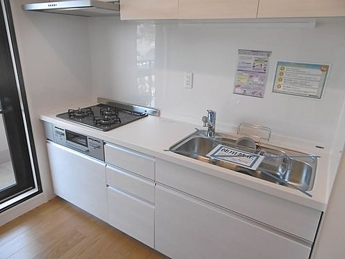 中古マンション-多摩市永山1丁目 独立キッチンは約3.1帖の広さです。