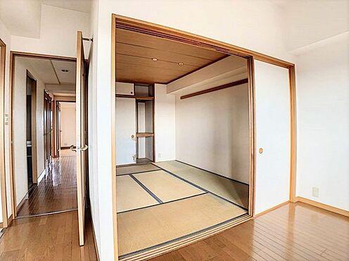 中古マンション-名古屋市守山区大森5丁目 リビングの隣には和室がございます。