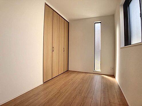 中古一戸建て-名古屋市天白区平針3丁目 2面採光の日当たり良好な洋室