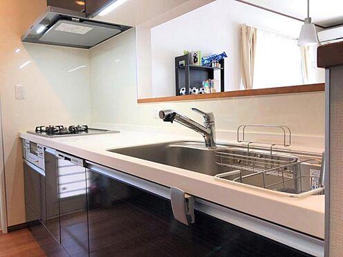 中古一戸建て-福岡市早良区野芥5丁目 食洗器付きの対面キッチンです。