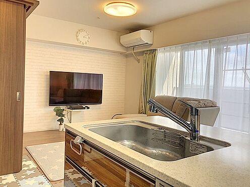 区分マンション-東海市高横須賀町御洲浜 対面キッチンなのでご家族と会話しながらお料理や後片付けができますね!
