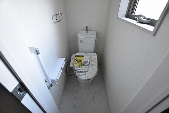 新築一戸建て-仙台市泉区市名坂字南前 トイレ