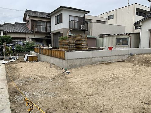 新築一戸建て-豊田市上挙母2丁目 洋室は6帖が2部屋、7.7帖が1部屋ございます。広々空間でゆったりとお過ごしいただけます。