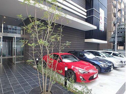 マンション(建物一部)-大阪市中央区釣鐘町2丁目 駐車場もあるから、車をお持ちの方も安心です。