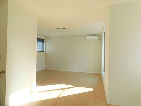 新築一戸建て-名古屋市北区大杉1丁目 フローリングでお掃除も楽々です♪