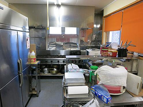 店舗付住宅(建物全部)-北佐久郡軽井沢町大字長倉 店舗の厨房部分。備品等についてもご相談に応じます。