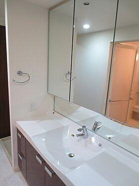 中古マンション-中央区佃2丁目 三面鏡付洗面化粧台